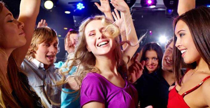 mulheres na discoteca